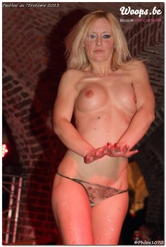 Erotisme Bruxelles Cureghem 2011 (4/9)